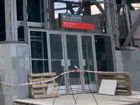 """Приехавшие к платформе """"Северянин"""" в Москве сотрудники МЧС подтвердили превышение нормы радиации. Близлежащая территория была оцеплена, вызваны спецподразделения для оценки уровня радиации"""