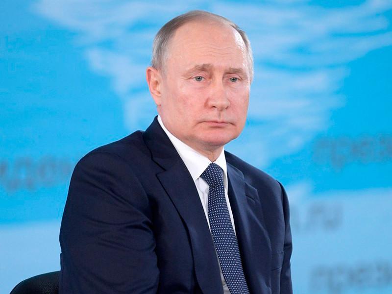 Ужесточение мер против распространения коронавируса в Москве, предусматривающее режим самоизоляции для людей старше 65 лет, не распространяется на президента России Владимира Путина, который даже с учетом реформы уже достиг пенсионного возраста (ему 67 лет)