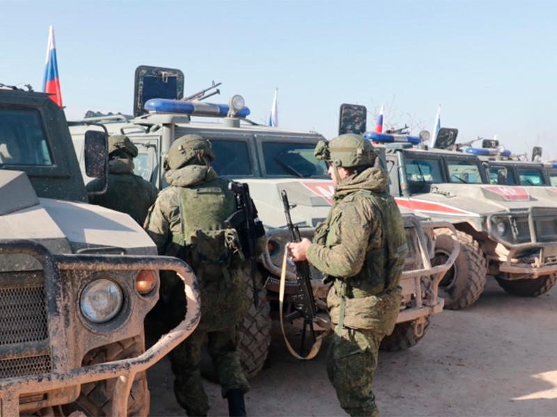 Российские и турецкие военные начали первое совместное патрулирование трассы М-4 в сирийском Идлибе