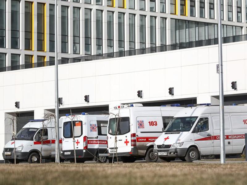 Премьер-министр РФ Михаил Мишустин сообщил, что за последние сутки количество случаев заражения коронавирусной инфекцией в России увеличилось до 438