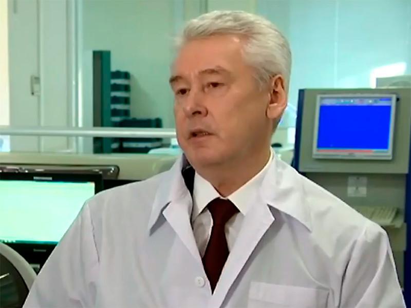 Мэр Москвы Сергей Собянин анонсировал новые ограничения в связи с тем, что ранее в среду президент РФ Владимир Путин объявил следующую неделю нерабочей