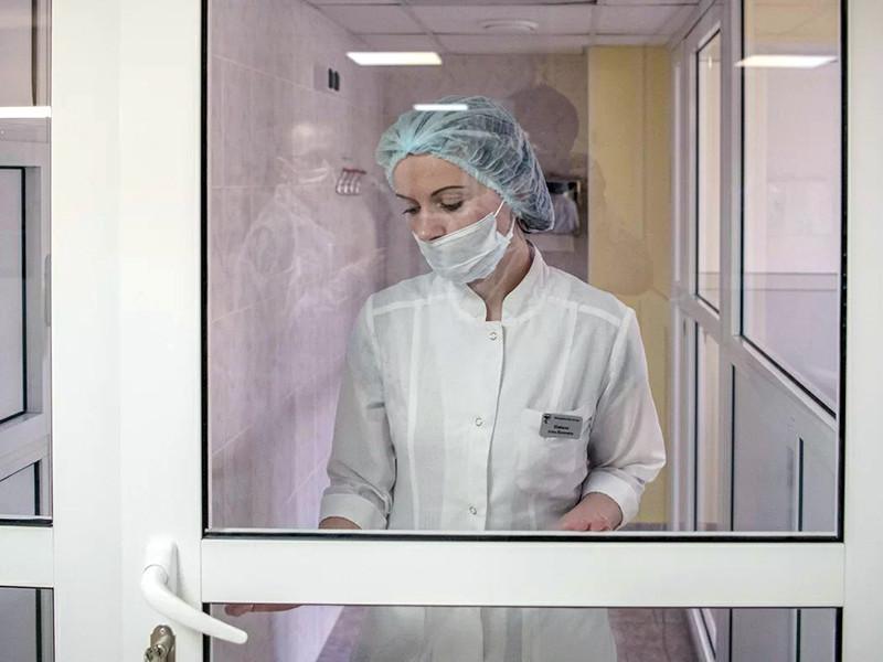 В России зарегистрировали 93 случая заражения коронавирусом, 86 из них - завозные