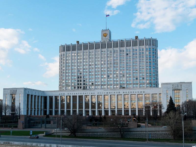 Правительство после заявлений Кремля о том, что режим ЧС в стране не нужен, попросило полномочий на его введение