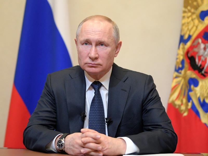 Президент России Владимир Путин в среду, 25 марта, выступил с телеобращением к россиянам по ситуации с коронавирусом в стране
