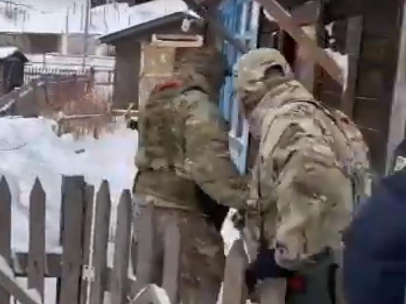 На Сахалине ФСБ задержала двух студентов, планировавших вооруженное нападение на техникум