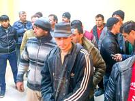 """Путин отметил, что трудовые мигранты """"часто стремятся обойти существующие сложности в оформлении миграционных статусов уходом """"в тень"""""""", а люди, способные стать """"полноправными членами российского общества, сталкиваются с неоправданными сложностями"""" при получении гражданства"""