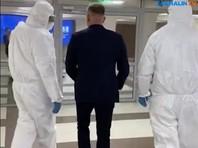 """С совещания сахалинского губернатора люди в защитных костюмах по ложному доносу забрали """"подозреваемого"""" в коронавирусе (ВИДЕО)"""
