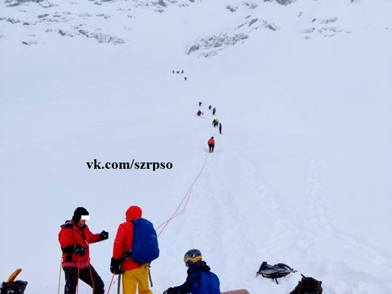 В Хибинах (Мурманская область) в цирке Откола (ледниковой котловине) на хребте Тахтарвумчорр в понедельник погиб альпинист из Санкт-Петербурга