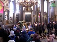 В Петербурге, невзирая на карантин, 70 тыс. человек приложились к привезенным мощам Иоанна Крестителя