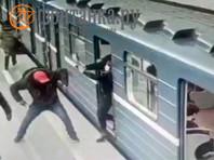 Житель Петербурга арестован после стрельбы и избиения африканцев в метро