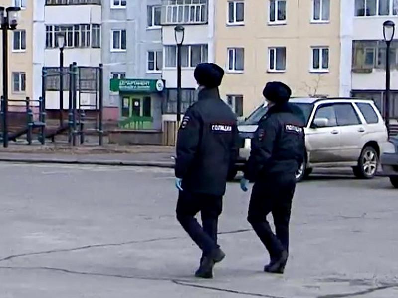 В Иркутской области выделили отряд полиции для защиты ребенка с коронавирусом из-за угроз в соцсетях