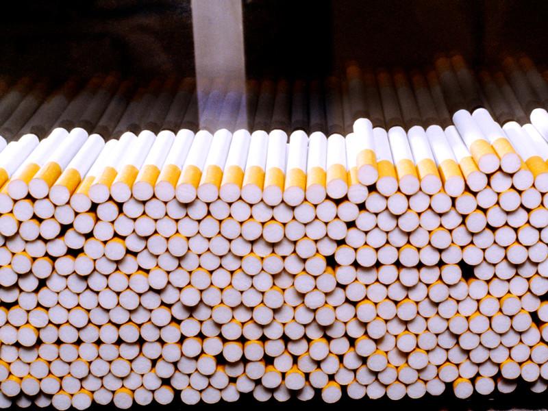 Табачные концерны остановили российские фабрики, рынок ждет дефицит сигарет