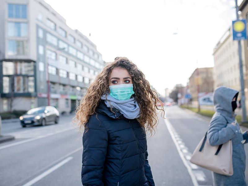 Власти Вологодской, Ростовской и Новгородской областей, а также республики Коми вводят уже с 1 мая обязательное ношение масок в общественных местах