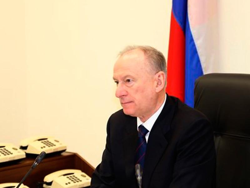 """Патрушев рассказал о стремлении """"заграницы"""" расколоть российское общество, но проговорился про """"коррупцию и несправедливость"""" в РФ"""