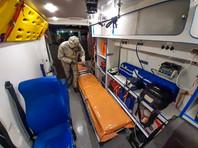 Фото: военнослужащие Западного военного округа провели спецобработку машин скорой медицинской помощи в Курске