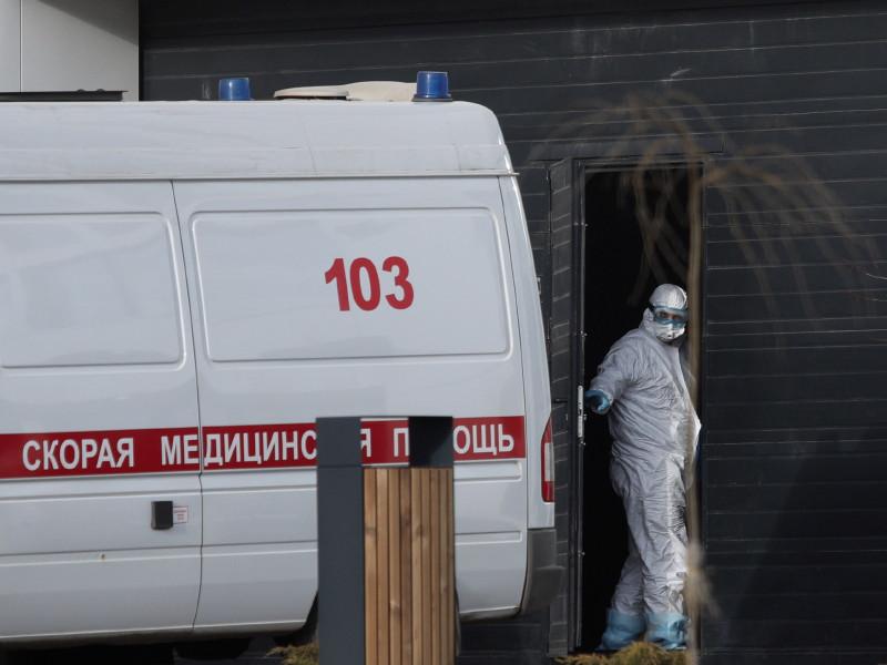 Число заболевших коронавирусом в РФ продолжает неуклонно расти - уже 18 328 случаев, из них более 11,5 тысяч в Москве