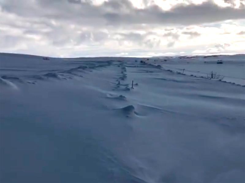 В снежном плену оказались село Териберка и поселок Туманный