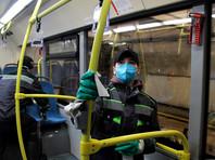 Московские автобусы, электробусы, троллейбусы и трамваи теперь дезинфицируют и во время работы на линии – дополнительную обработку салонов стали проводить на конечных станциях
