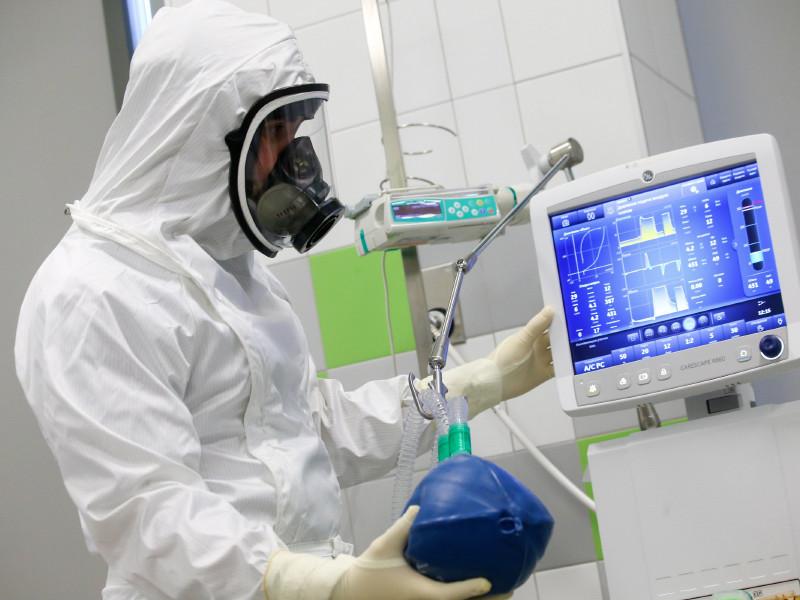 В Москве умерли 12 пациентов с коронавирусом, в том числе 33-летняя женщина