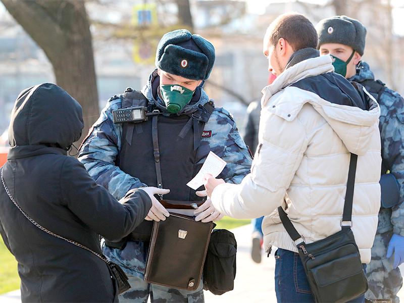 В течение субботы, 11 апреля, в столице были оштрафованы 1358 человек за несоблюдение социальной дистанции (не менее 1,5 метров)