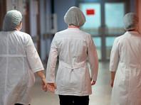 Два пациента, у которых был подтвержден диагноз двусторонняя пневмония и получен положительный результат на коронавирус, скончались в столице. Как уточнил московский штаб по контролю и мониторингу ситуации с COVID-19, это пациенты в возрасте 67 и 72 лет. Оба имели сопутствующие заболевания
