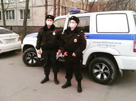Петербуржца оштрафовали на 15 тыс. рублей за прогулку с ребенком на детской площадке