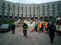 Журналисты отмечают, что заявленная мощность аппарата составляет 75 Ватт, что в разы меньше домашней бытовой техники, а реанимационное отделение больницы Святого Георгия в Петербурге, где случился пожар, реконструировали в 2018 году