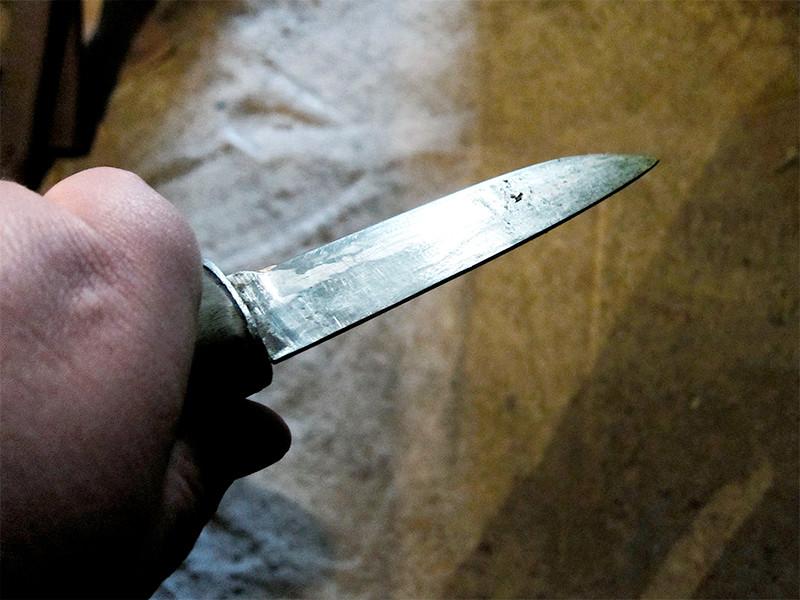 """Инцидент произошел вечером 1 мая на Кирпичной улице в районе дома N47. По данным полиции, неизвестный подошел к мужчине сзади, нанес ему удар """"неустановленным предметом"""", похитил пакет с продуктами и скрылся"""