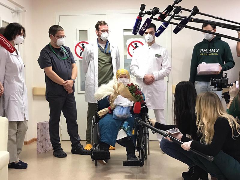 Первая в России 100-летняя пациентка полностью излечилась от коронавируса. Как сообщается на сайте Федерального медико-биологического агентства (ФМБА) РФ