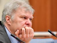 Депутата Мосгордумы Сергея Митрохина задержали на Петровке во время пикета в поддержку Ильи Азара (ВИДЕО)