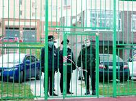 У ТЦ в подмосковном Солнечногорске устроили массовую вечеринку несмотря на карантин