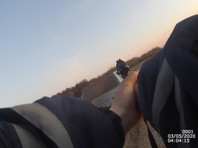 В Чувашии 11 человек попытались уговорить инспектора ГИБДД не штрафовать пьяного водителя. Разговор окончился потасовкой и стрельбой (ВИДЕО)