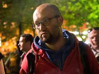 """Журналиста Илью Азара арестовали на 15 суток за одиночный пикет в поддержку """"омбудсмена полиции"""""""