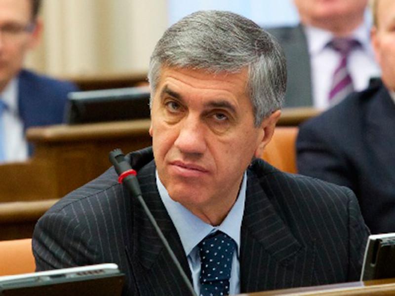 Бизнесмен и бывший депутат Анатолий Быков задержан в Красноярске по подозрению в организации заказных убийств