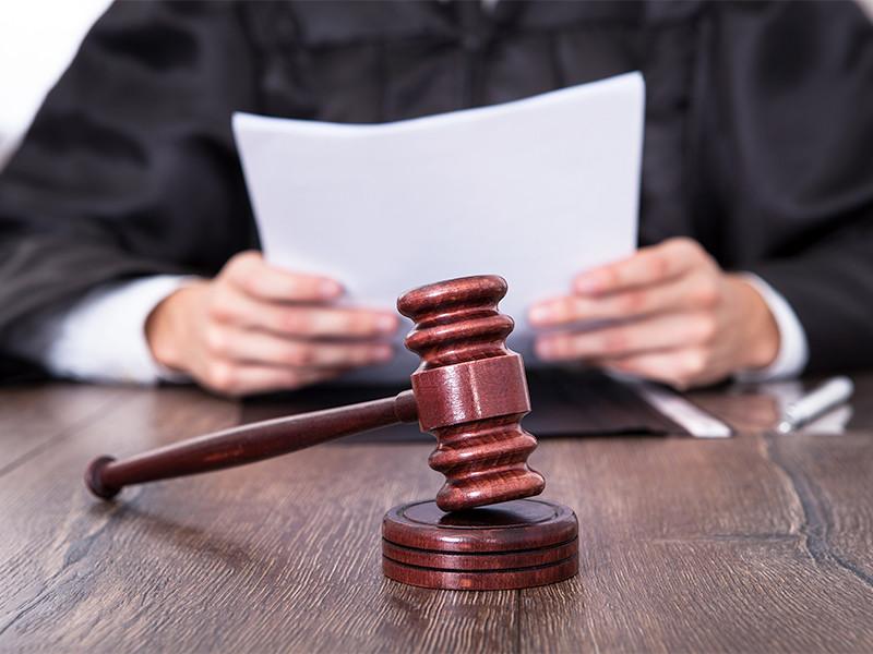 Бугульминский районный суд в Татарстане оправдал 27-летнего мужчину, обвиняемого в сексуальном насилии над полуторагодовалой дочерью и впоследствии признавшегося в этом