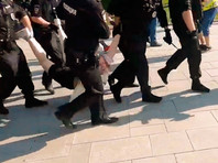 Десятки человек задержали в Москве на пикетах в поддержку ЛГБТ-активистки Юлии Цветковой (ФОТО, ВИДЕО)