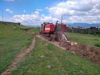 В Бурятии окружили рвом село, закрытое на карантин из-за вспышки коронавируса после шаманского обряда