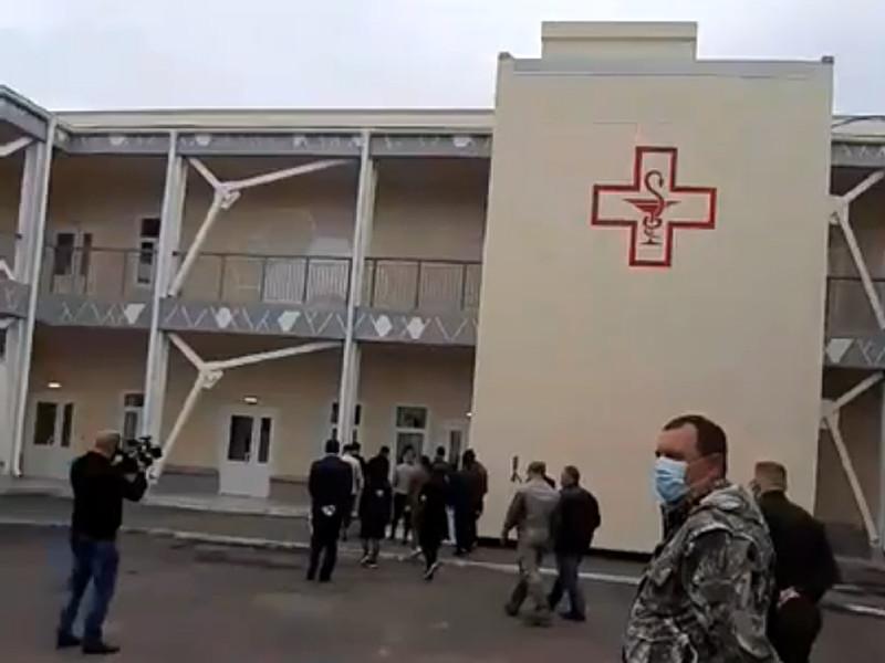 Минобороны РФ провело 3 июня пресс-тур в здании госпиталя для лечения COVID-пациентов, построенный в Улан-Удэ (Бурятия)