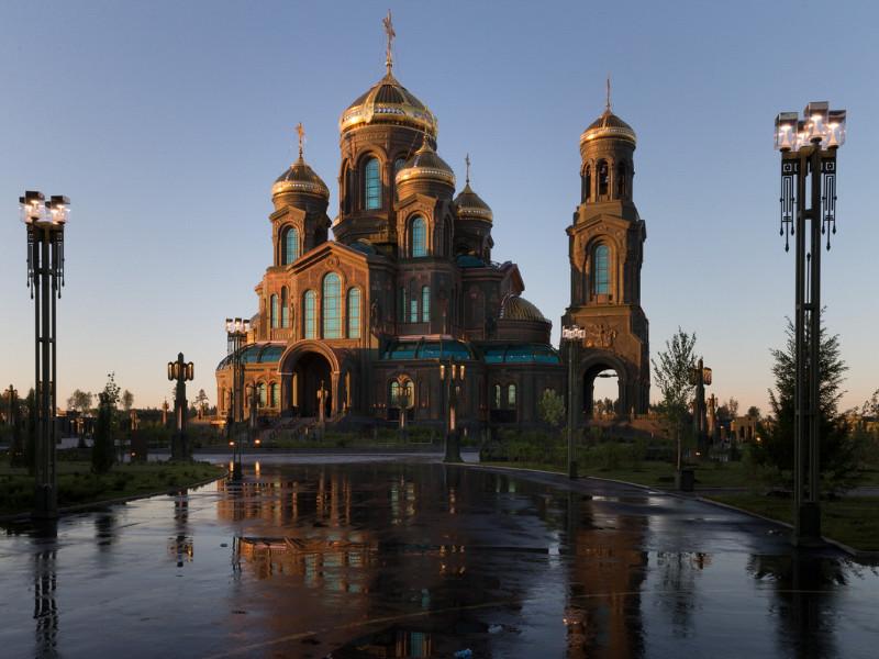 """Новосибирского иеромонаха, назвавшего главный храм ВС """"языческим капищем"""", запретили в служении"""