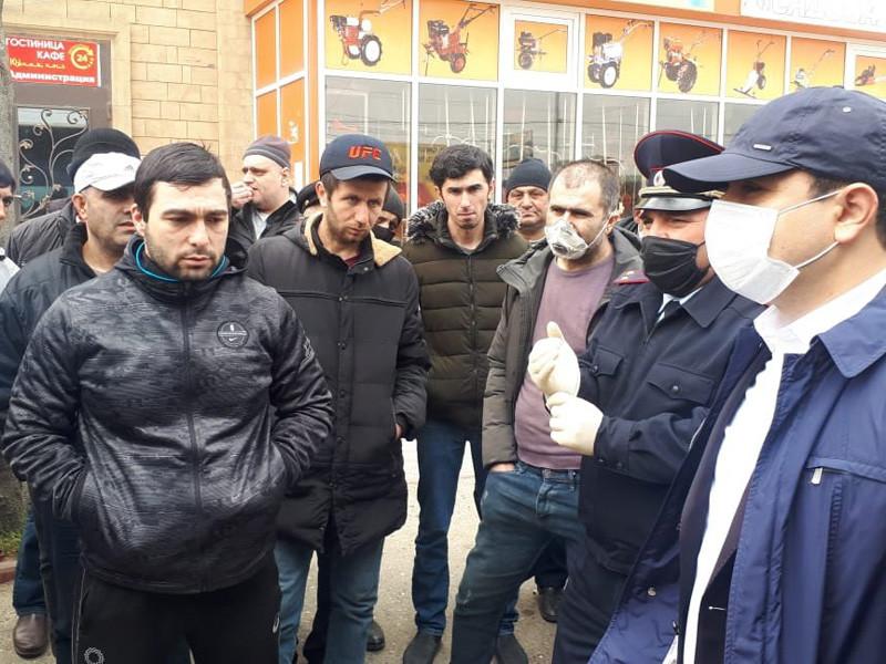 В дагестанском временном лагере произошли столкновения между полицейскими и азербайджанцами, которые не могут вернуться домой из-за пандемии коронавируса, рассказал ТАСС глава Дербентского района республики Фуад Шихиев