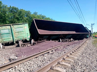 22 вагона грузового поезда с окатышем сошли с рельсов на перегоне станции Щекино-Лазарево в Тульской области