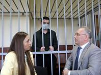 16 августа 2019 года жители Ленинградского шоссе сообщили в полицию, что возле дома N 106 гражданин ругается с двумя женщинами. Прибывший экипаж патрульно-постовой службы попытался успокоить мужчину, однако тот якобы проявил агрессию и оказал сопротивление полицейским