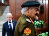 Халифа Хафтар и Евгений Пригожин( на заднем плане), 7 ноября 2018 года