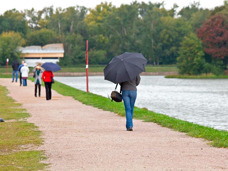 В среду-четверг в Москву после по-настоящему южной жары придет очень холодная и дождливая северная погода, больше характерная для осени