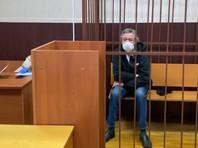 """9 июня Таганский районный суд Москвы отправил актера под домашний арест. Ему запрещено контактировать с кем-либо, кроме родных и защитников. В ходе судебного заседания Ефремов согласился с обвинением и назвал инцидент """"чудовищным"""""""