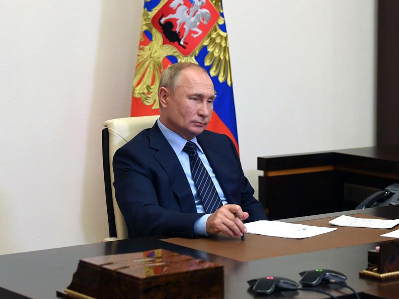 Президент Владимир Путин подписал законопроект, позволяющий проводить выборы в течение нескольких дней