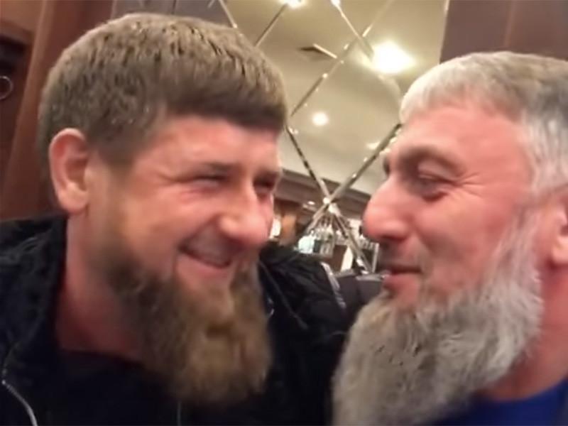 Изучая историю появления особняка главы Чечни Рамзана Кадырова в Центорое в 2008 году, журналисты выяснили, что стройку курировал некий бизнесмен Павел Кротов, связанный с Кадыровым и депутатом Госдумы РФ Адамом Делимхановым