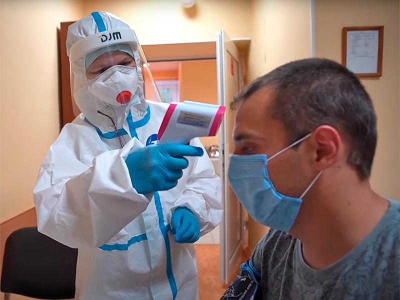 Участники испытаний вакцины от коронавируса чувствуют себя хорошо, заявили медики