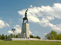 В Подмосковье с мемориальной доски героям битвы за Москву стерли имя генерала Власова