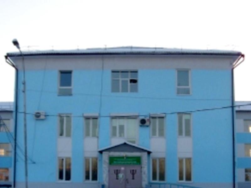 По данным портала 72.ru, речь идет о Михаиле Олинберге, который 22 июня пробрался через окно в психдиспансер и, угрожая медработникам муляжом оружия, потребовал освободить Габышева